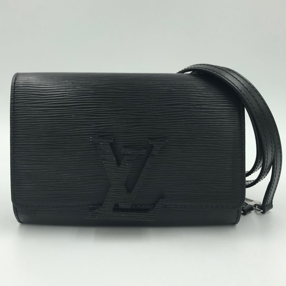 f370cd2f42c2 Authentic Louis Vuitton Louise PM